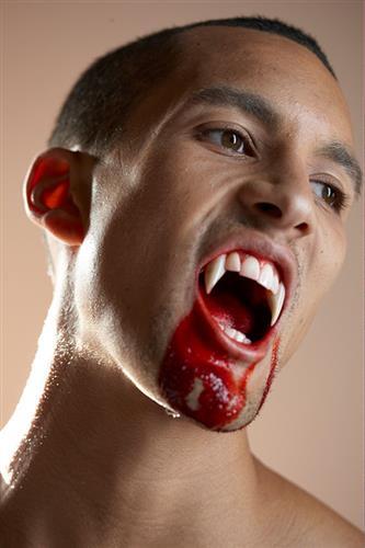 Vampyrtænder,  lange
