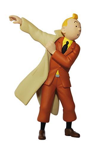 Tintin ifører sig trenchcoat